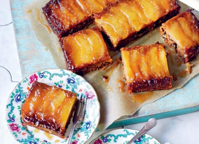 Вегетарианский яблочный пирог-перевертыш с карамелью