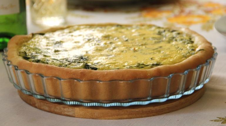 Открытый пирог с творогом и шпинатом