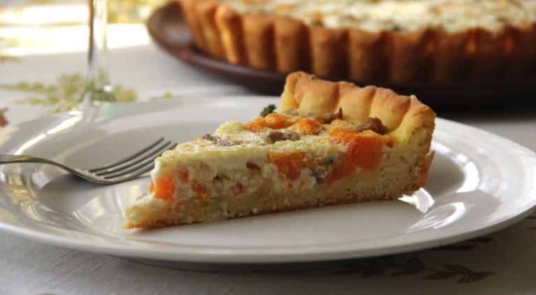 Пирог с тыквой и печёным мясом