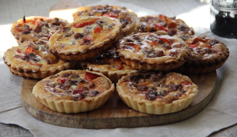Пироги открытые с ветчиной и сладким перцем
