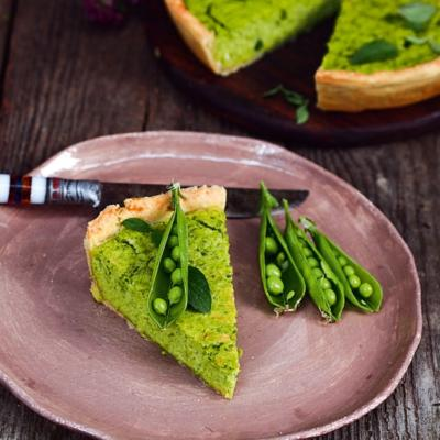 Сырный тарт с зеленым горошком