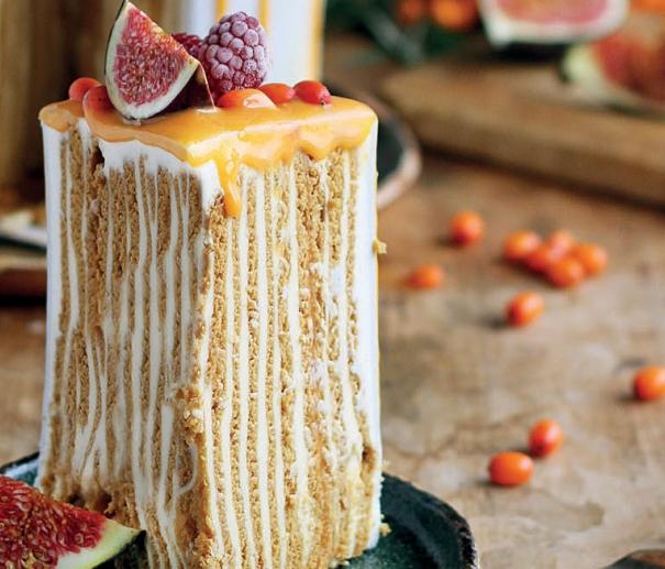 Вертикальный медовик с апельсиновым кремом