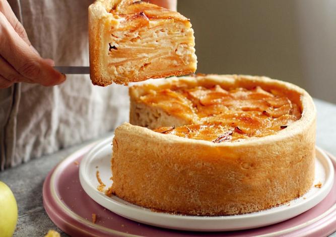 Яблочный пирог с крем-брюле
