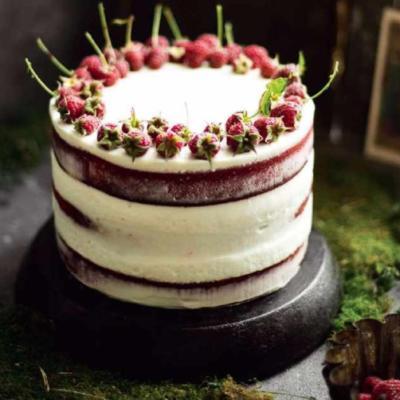Торт-рулет со смородиновым курдом