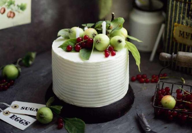 Черничный торт с ягодным курдом