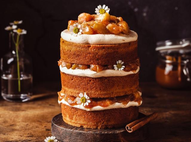 Яблочный торт с карамелью