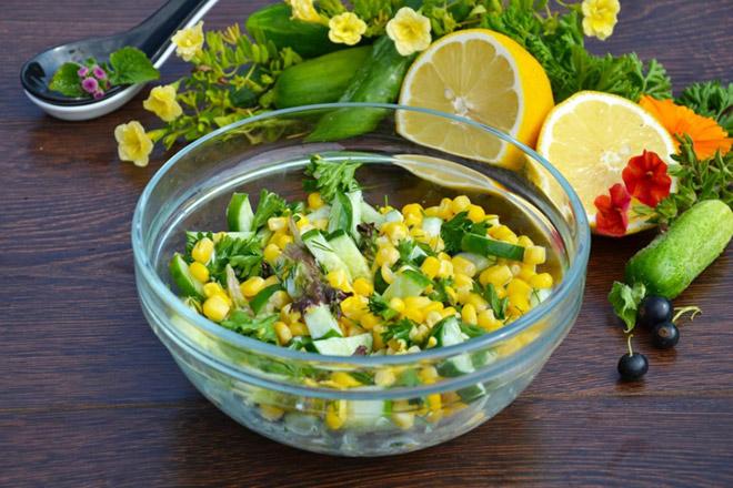 Овощной салат с кукурузой