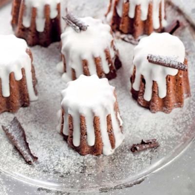 Ромовый кекс со снежной глазурью
