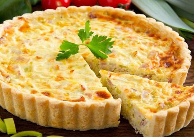 Испанский пирог с курицей и сыром