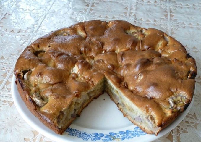 Пирог с копченой курицей и бананом