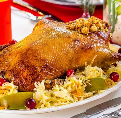 Рождественская утка с квашеной капустой