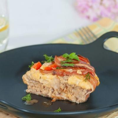 B&M Pie, или Мясной пирог с беконом и сладким перцем