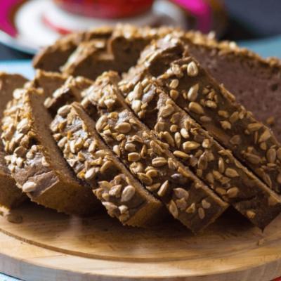 Кето-хлеб из кокосовой муки с какао и семенами подсолнечника
