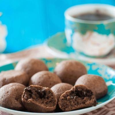 Шоколадные кето-колобки с сюрпризом